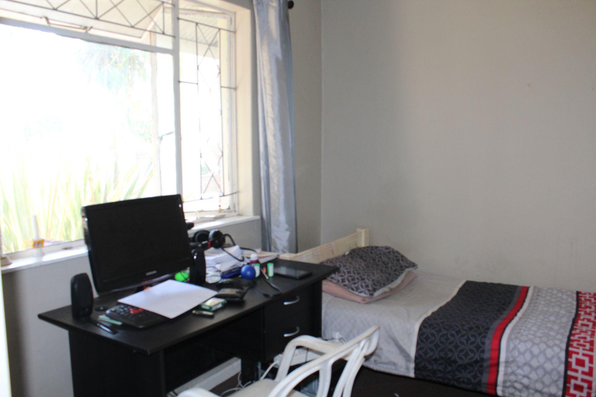 Vincent property for sale. Ref No: 13518070. Picture no 18