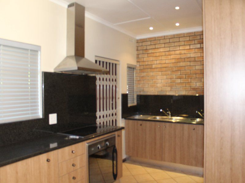 Beacon Bay property to rent. Ref No: 13525829. Picture no 2