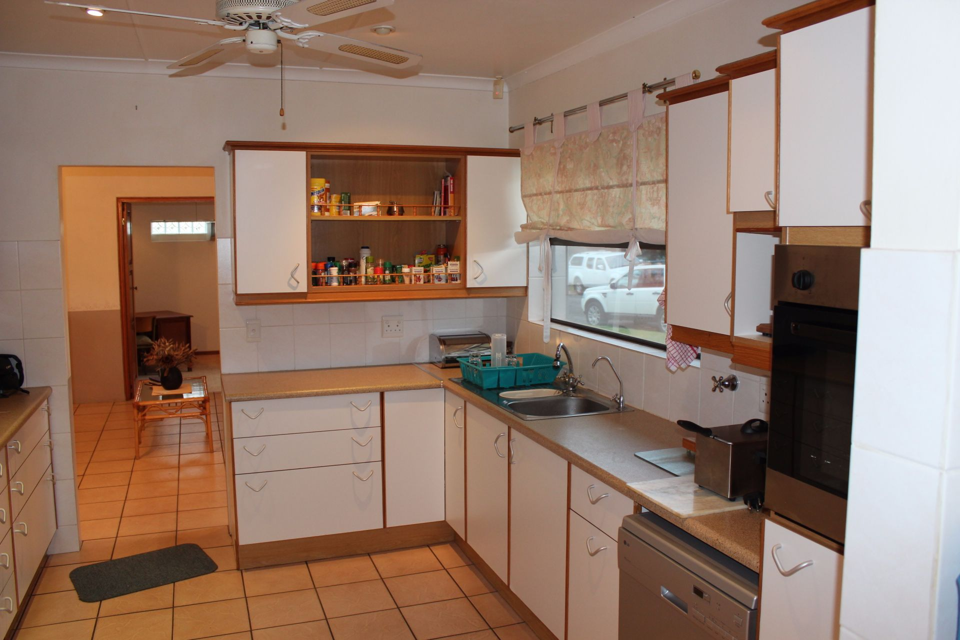 Dorchester Heights property for sale. Ref No: 13539523. Picture no 6