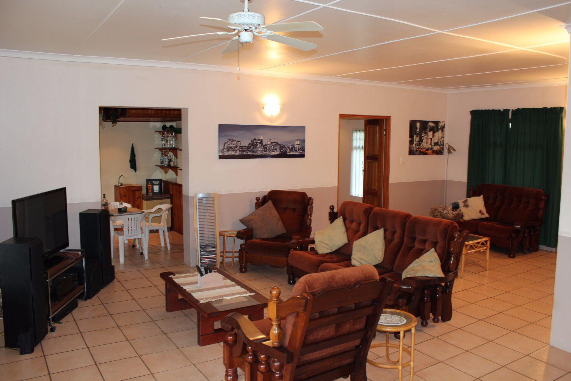 Dorchester Heights property for sale. Ref No: 13539523. Picture no 3
