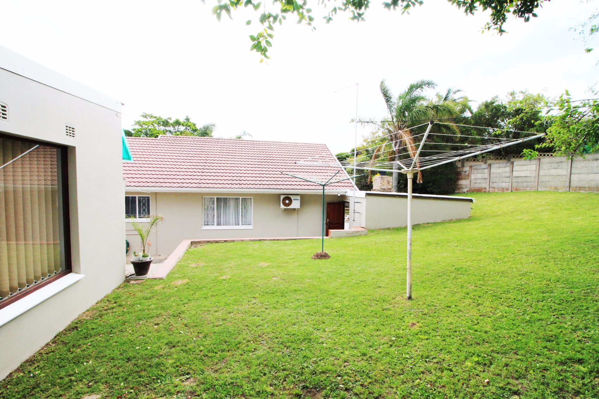 Beacon Bay property for sale. Ref No: 13548709. Picture no 7