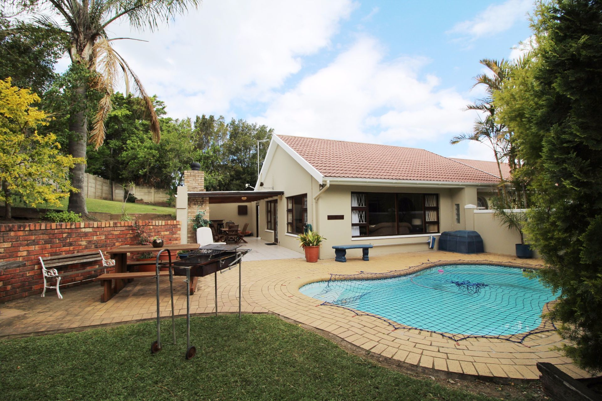 Beacon Bay property for sale. Ref No: 13548709. Picture no 1