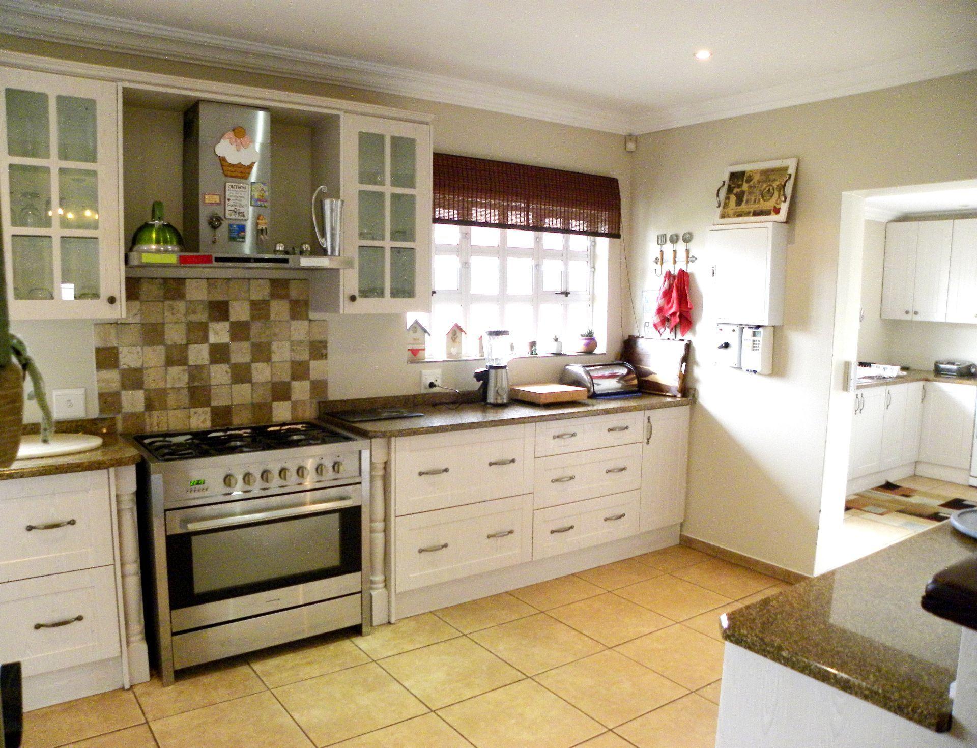 Bonnie Doone property for sale. Ref No: 13553551. Picture no 7