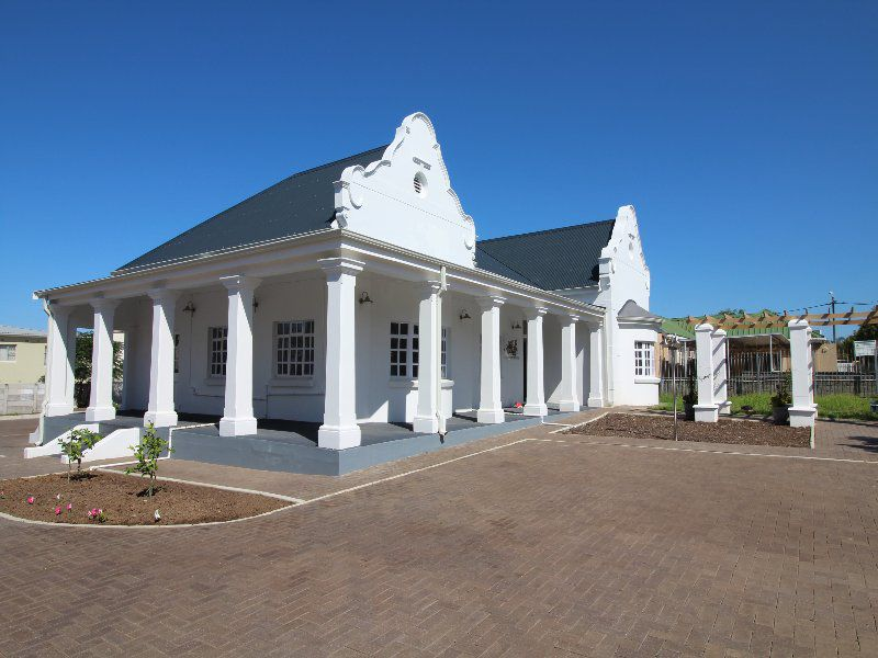 Property and Houses to rent in Eastern Cape, Commercial - ZAR , 15,00*,M
