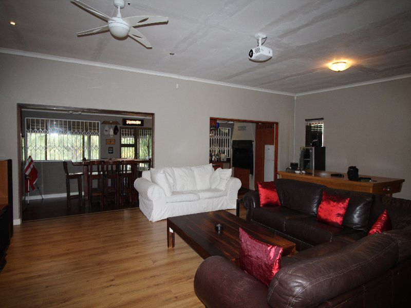 Property and Houses to rent in Eastern Cape, House, 5 Bedrooms - ZAR , 25,00*,M