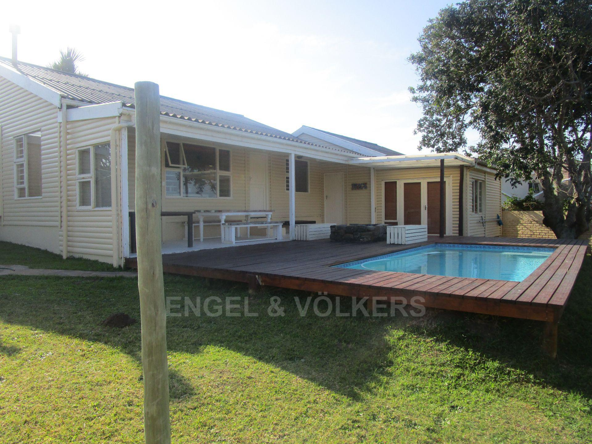 East London, Winterstrand Property  | Houses For Sale Winterstrand, WINTERSTRAND, House 4 bedrooms property for sale Price:1,250,000