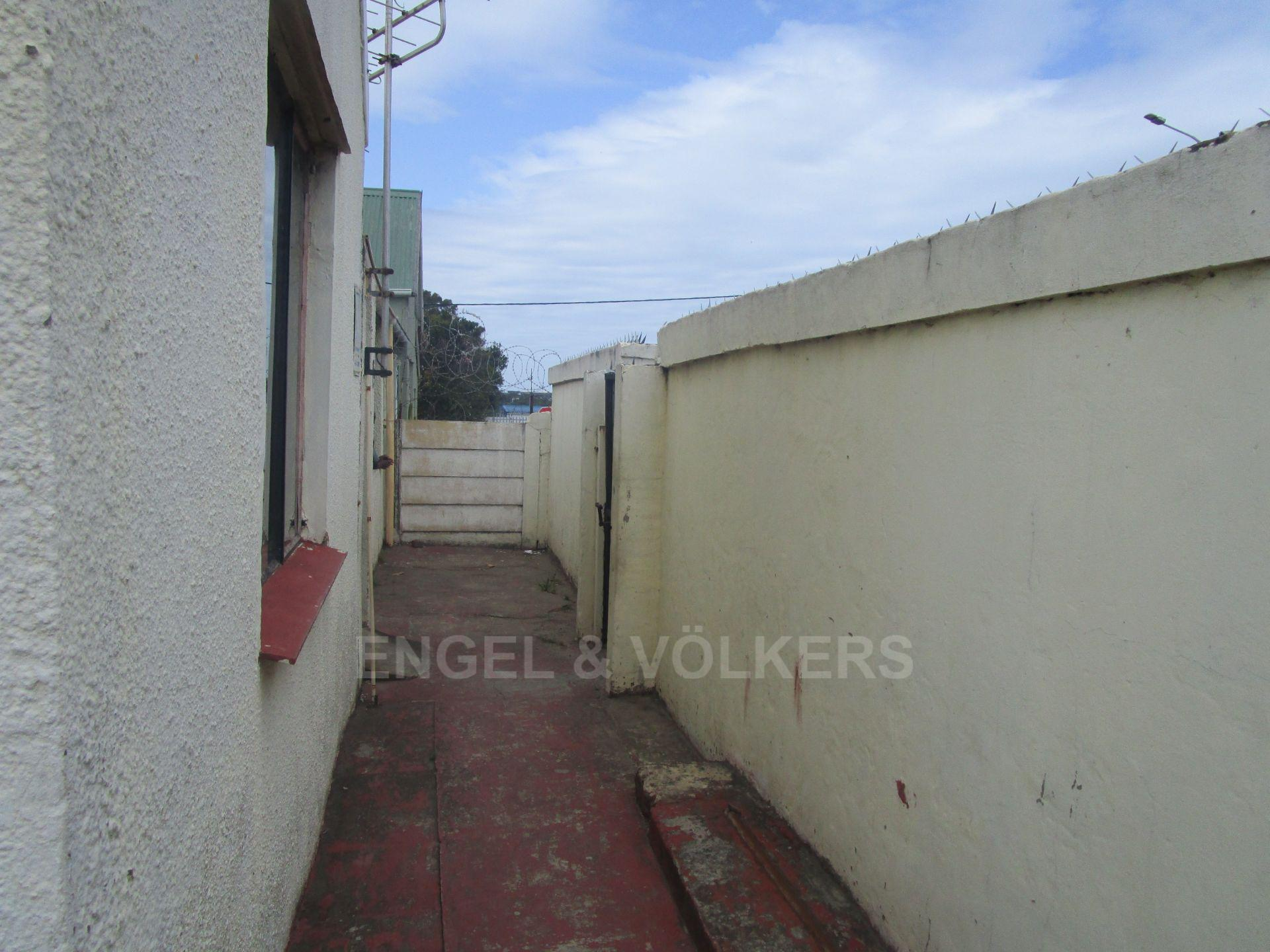 East London, Southernwood Property    Houses For Sale Southernwood, SOUTHERNWOOD, House 3 bedrooms property for sale Price:790,000