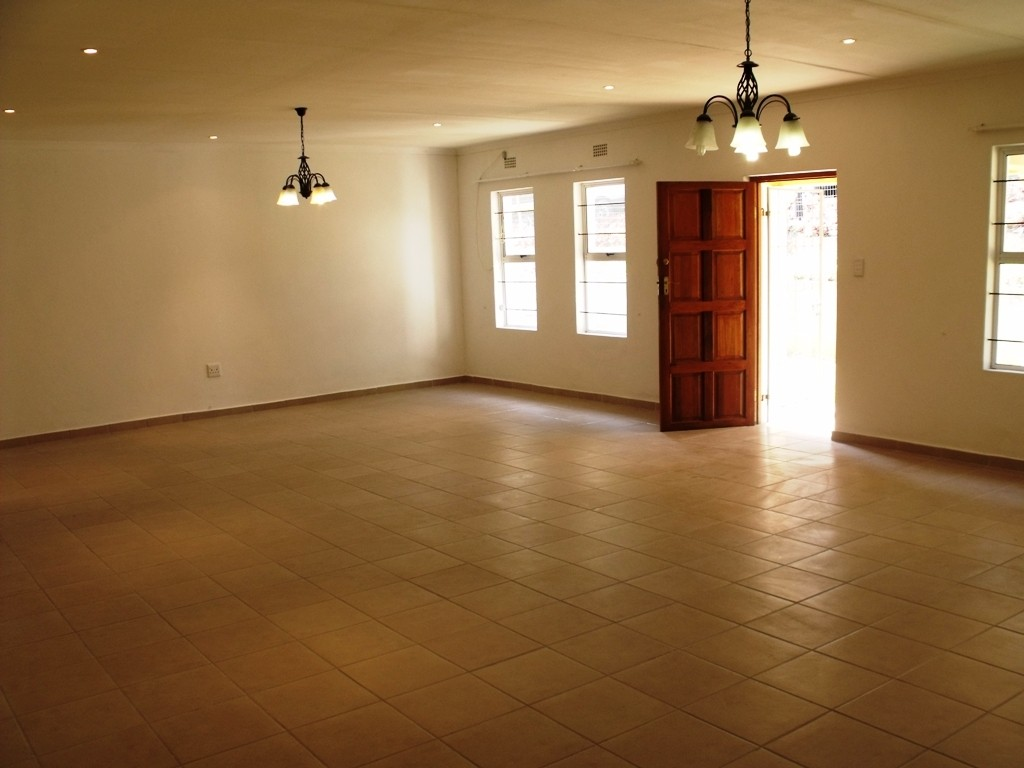Margate property for sale. Ref No: 3021953. Picture no 3