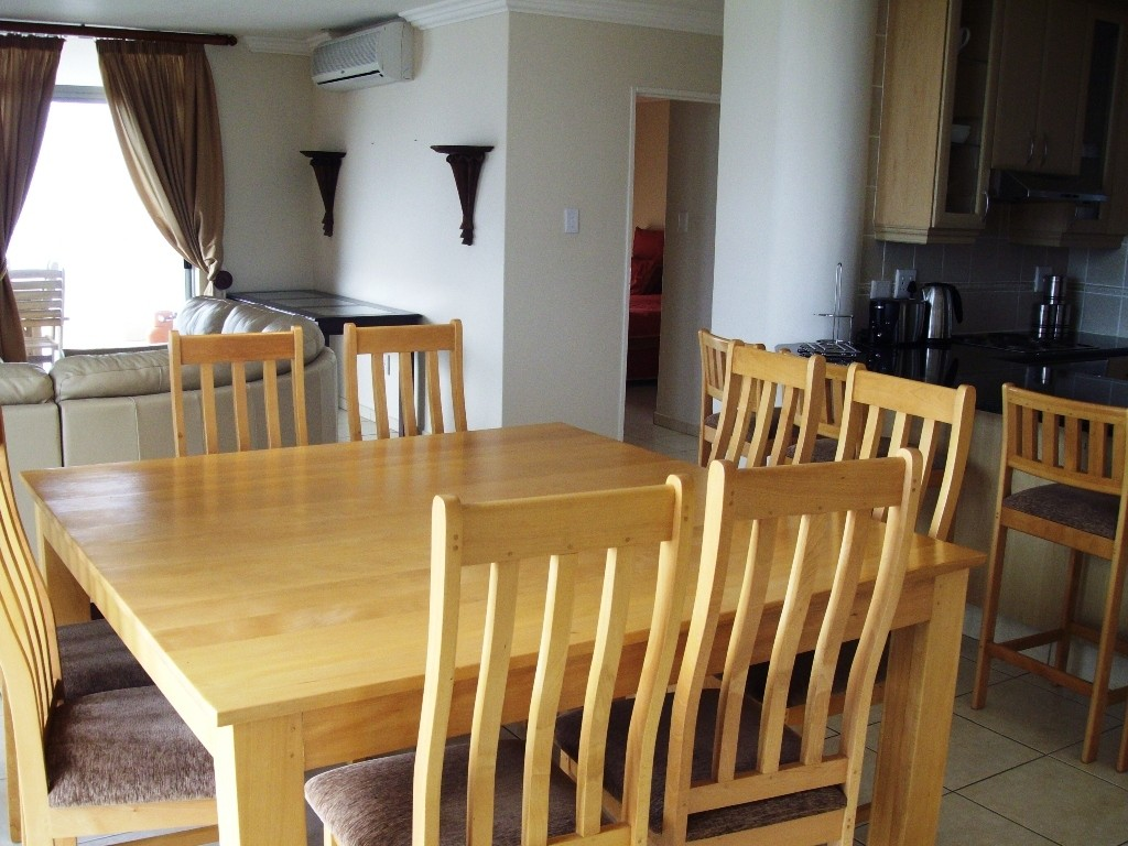 Margate property for sale. Ref No: 2701702. Picture no 4