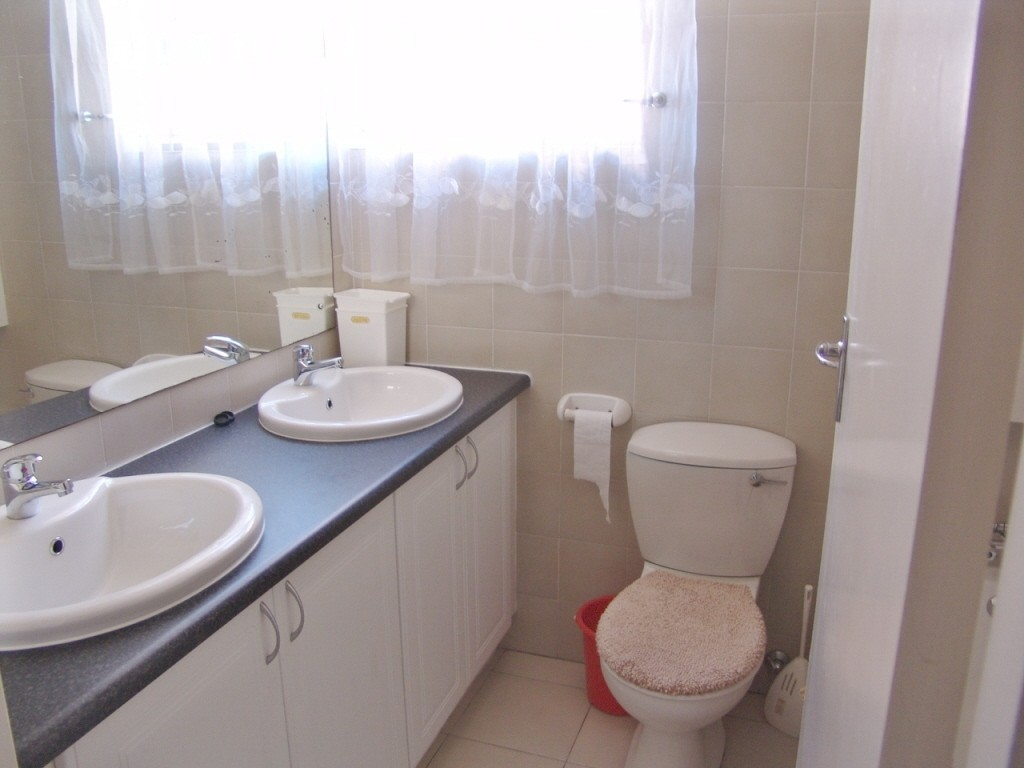 Uvongo property for sale. Ref No: 2707854. Picture no 8