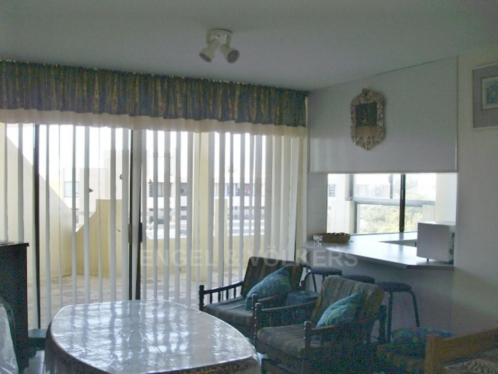 Margate property for sale. Ref No: 2702211. Picture no 3