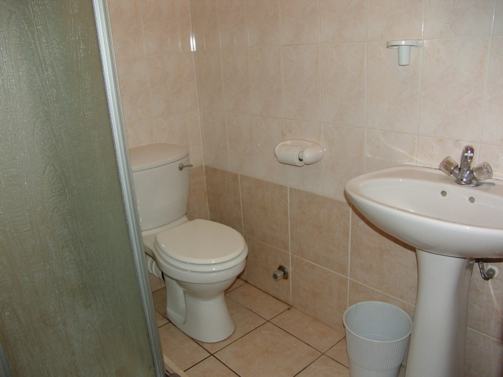 Margate property for sale. Ref No: 2701646. Picture no 10