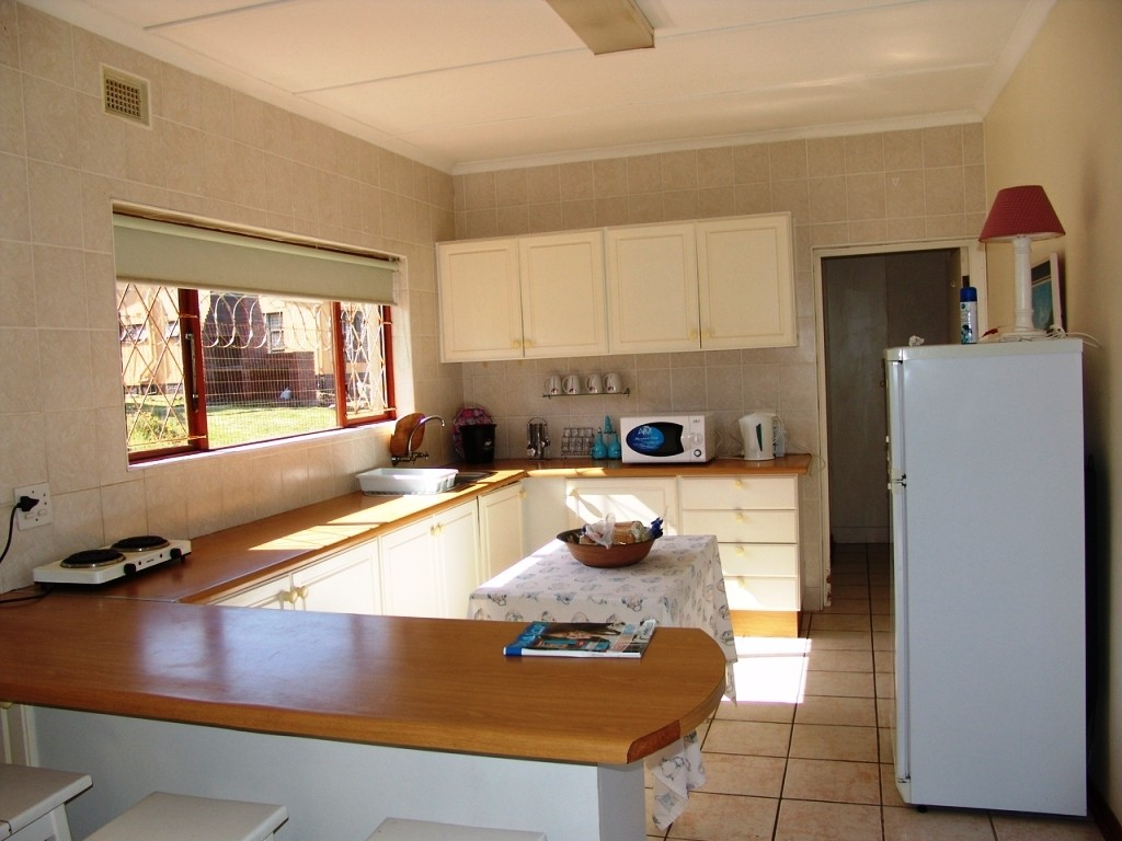 Uvongo property for sale. Ref No: 2952810. Picture no 13