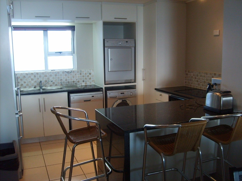 Margate property for sale. Ref No: 2703372. Picture no 2