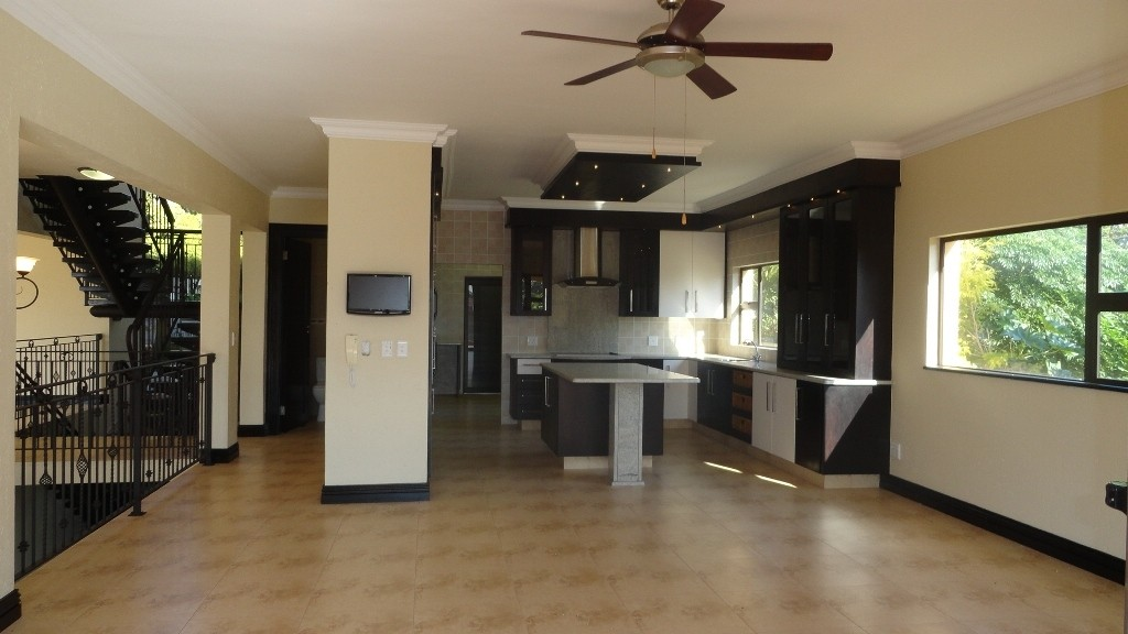 Margate property for sale. Ref No: 2978296. Picture no 3