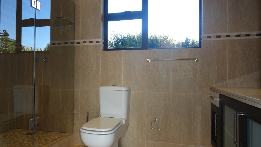 Margate property for sale. Ref No: 2978296. Picture no 18