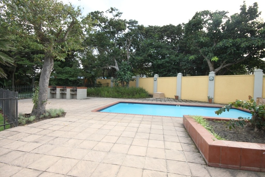 Shelly Beach property for sale. Ref No: 2697552. Picture no 8