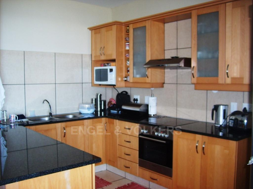 Margate property for sale. Ref No: 2697694. Picture no 2