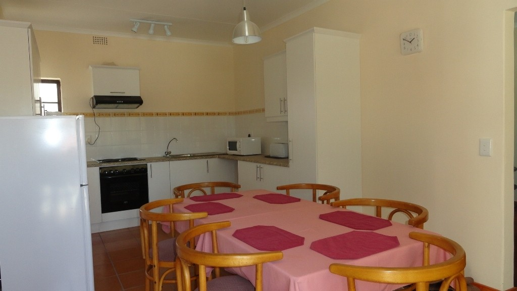 Margate property for sale. Ref No: 3051210. Picture no 3