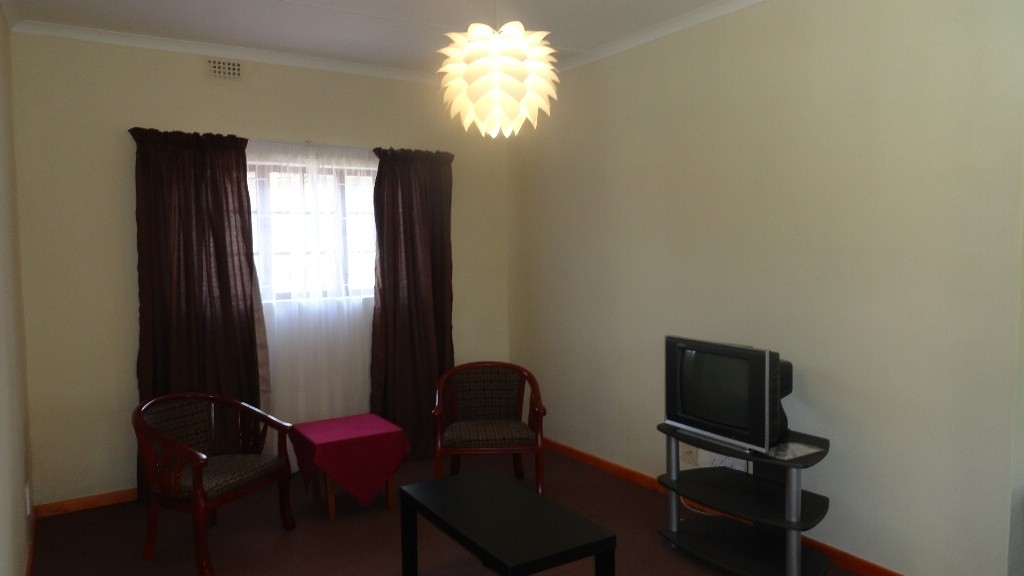 Margate property for sale. Ref No: 3051210. Picture no 4