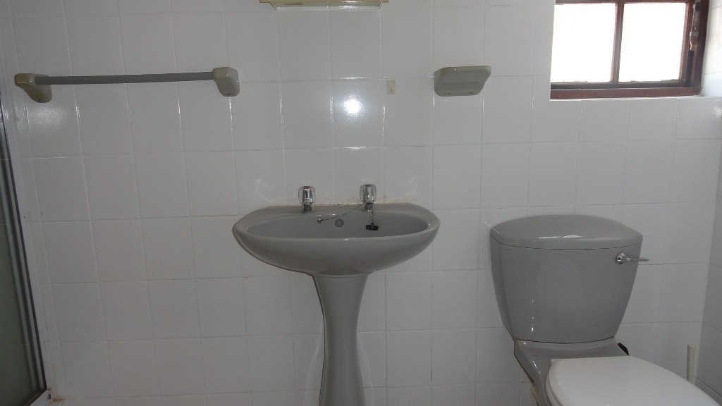 Margate property for sale. Ref No: 3051210. Picture no 9