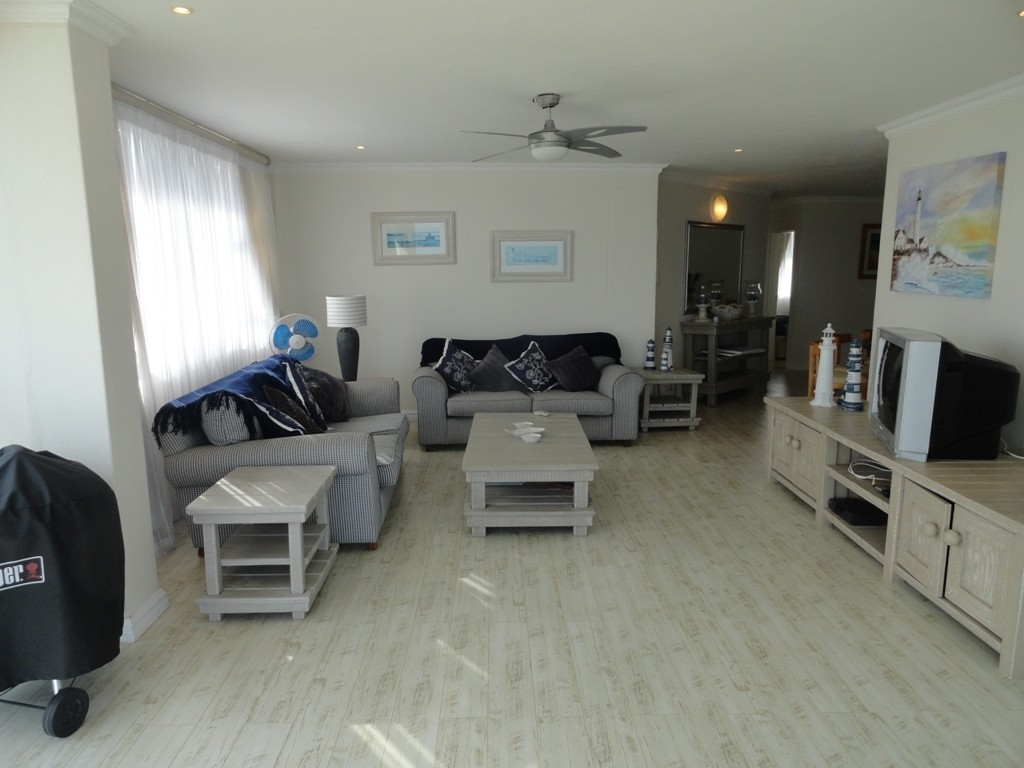 Margate property for sale. Ref No: 3071551. Picture no 5
