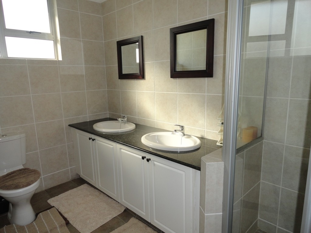 Margate property for sale. Ref No: 3071551. Picture no 10