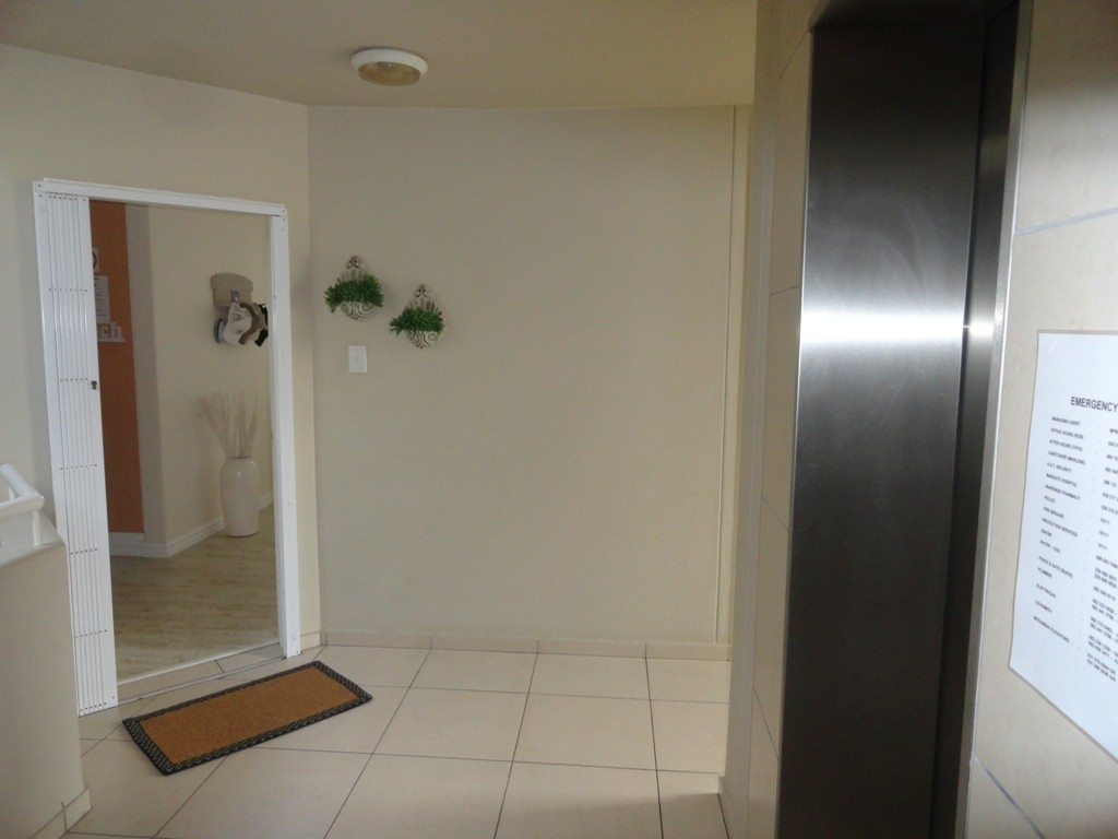 Margate property for sale. Ref No: 3071551. Picture no 21