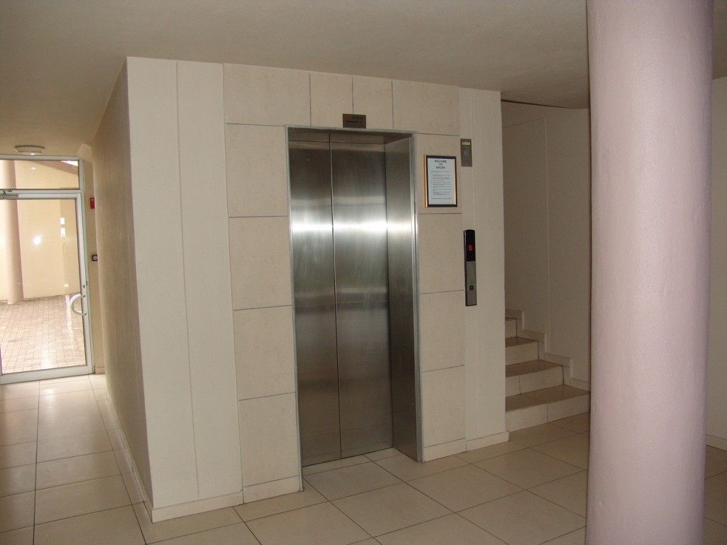 Margate property for sale. Ref No: 3071551. Picture no 24