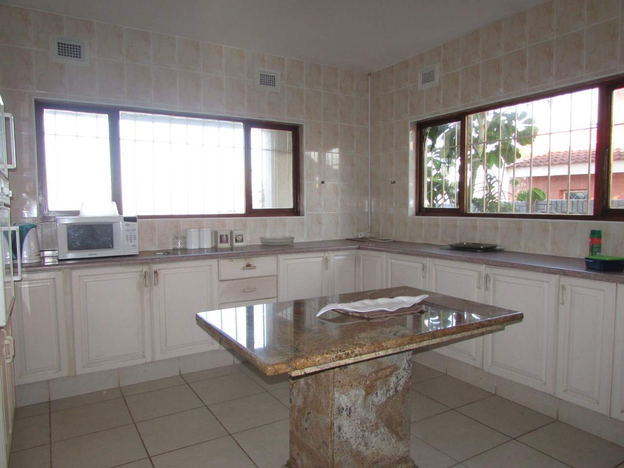 Ramsgate property for sale. Ref No: 3205720. Picture no 3