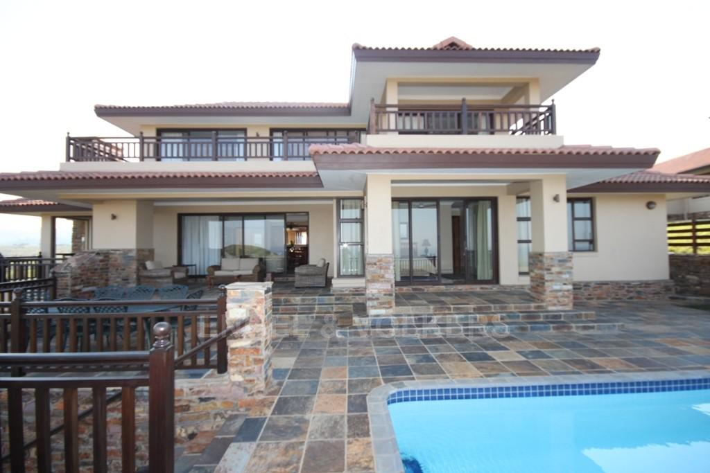 Property and Houses for sale in Port Edward, House, 5 Bedrooms - ZAR 6,580,000