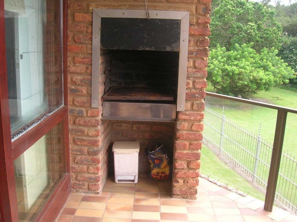Uvongo property for sale. Ref No: 3071308. Picture no 11