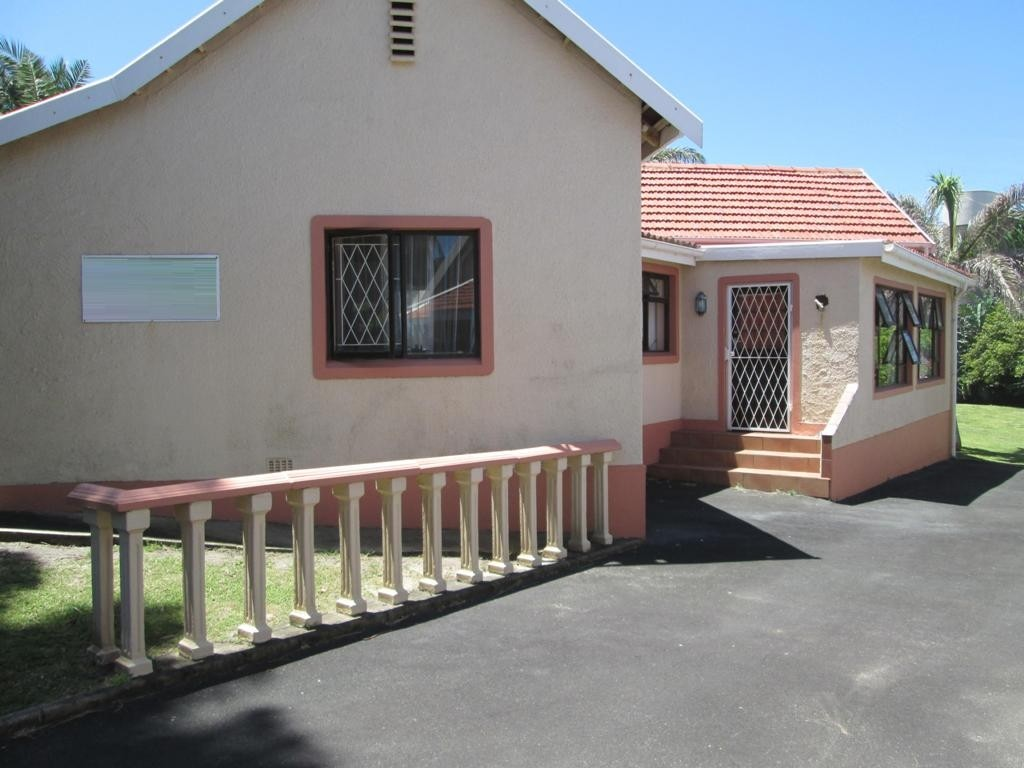 Uvongo property for sale. Ref No: 3160207. Picture no 13
