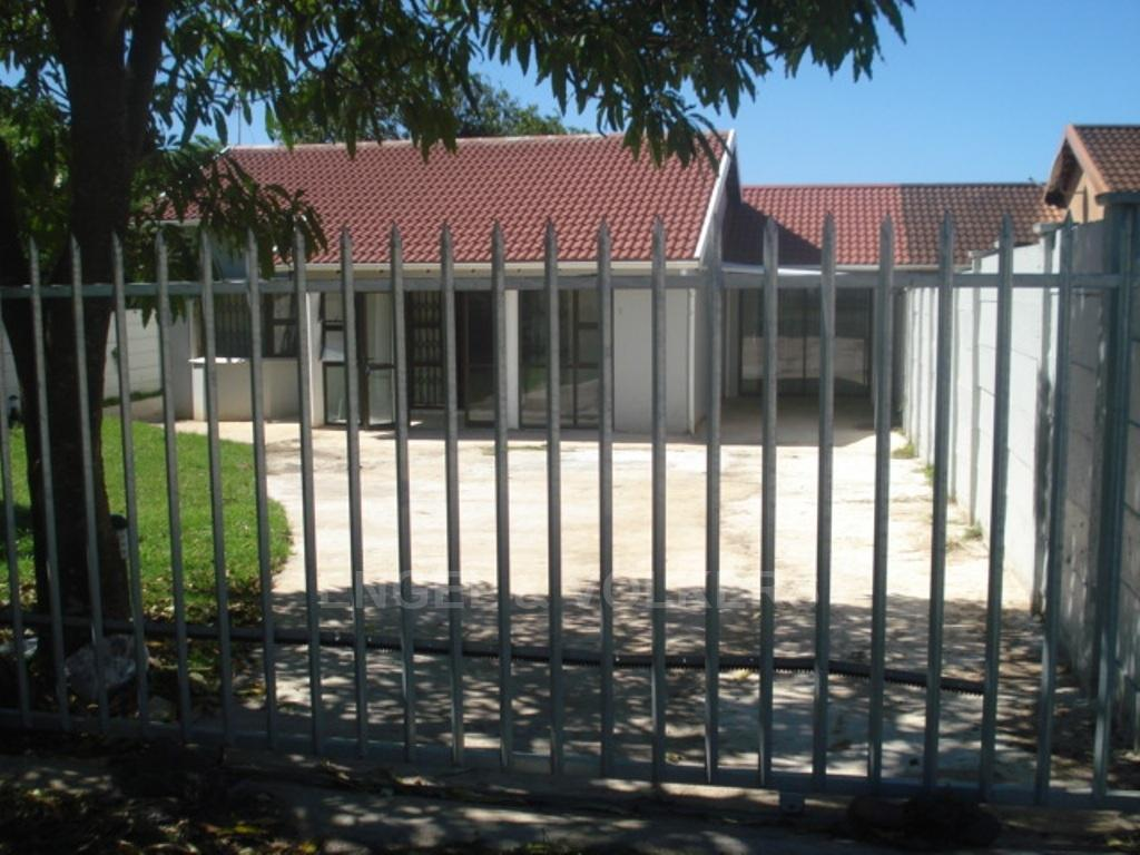 Uvongo property for sale. Ref No: 3216773. Picture no 12