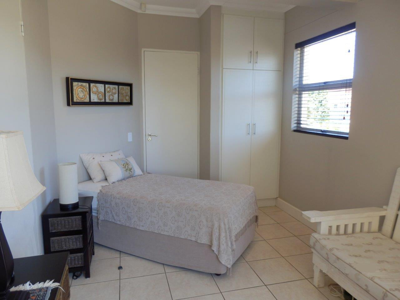 Uvongo property for sale. Ref No: 12780850. Picture no 11