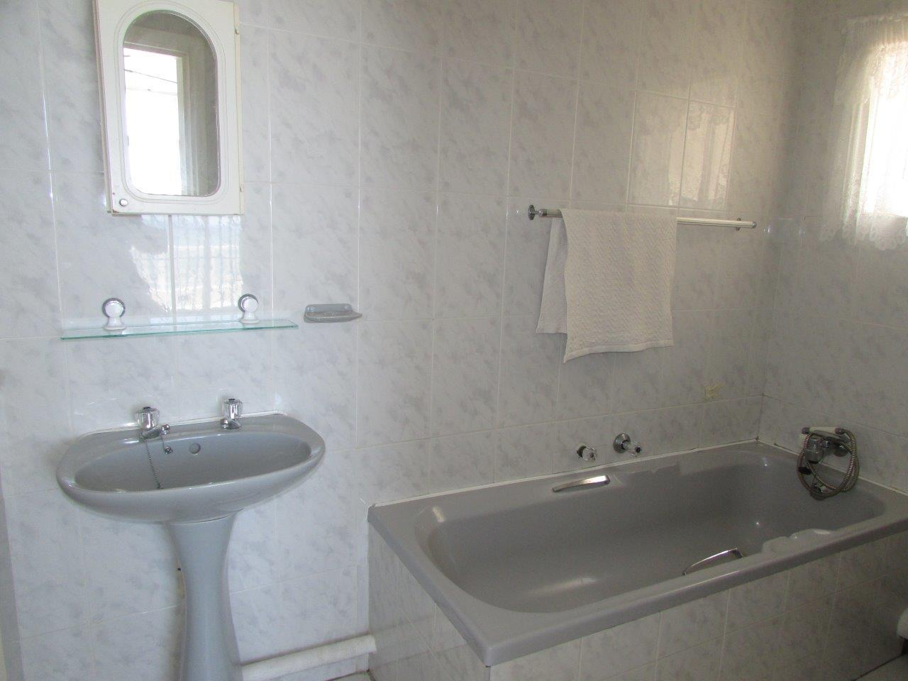Ramsgate property for sale. Ref No: 12780851. Picture no 10
