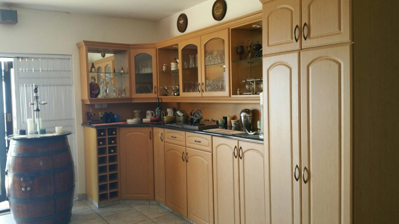 Margate property for sale. Ref No: 12785529. Picture no 8