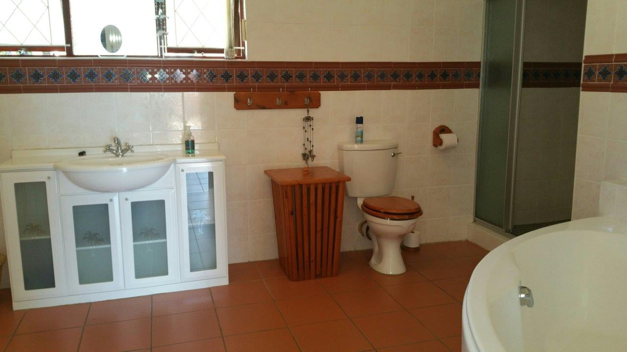 Margate property for sale. Ref No: 12785529. Picture no 12
