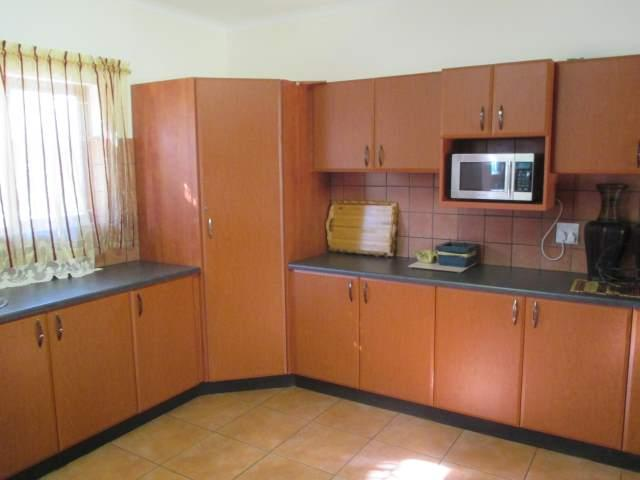 Marina Beach property for sale. Ref No: 12795038. Picture no 8