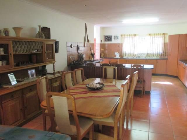 Marina Beach property for sale. Ref No: 12795038. Picture no 13