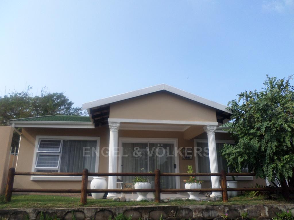 Uvongo property for sale. Ref No: 13230046. Picture no 1