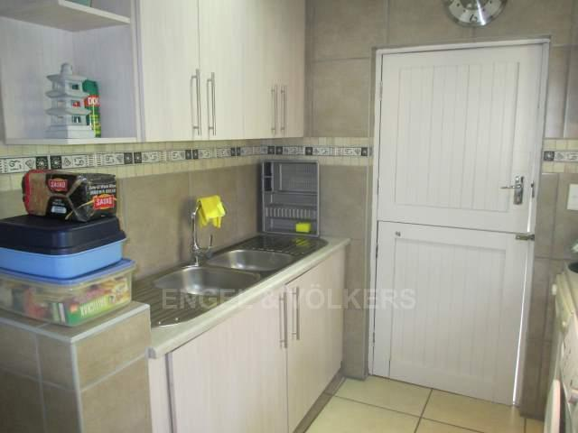 Glenmore property for sale. Ref No: 13234010. Picture no 4