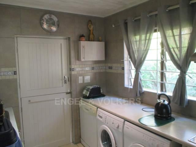 Glenmore property for sale. Ref No: 13234010. Picture no 5