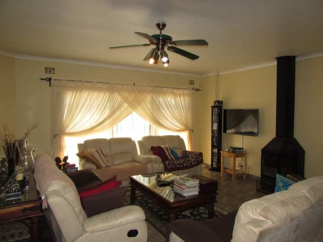 Uvongo property for sale. Ref No: 13241958. Picture no 5