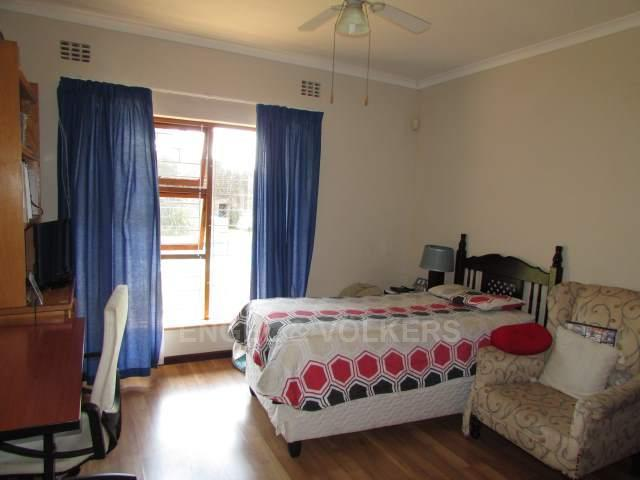 Uvongo property for sale. Ref No: 13241958. Picture no 15