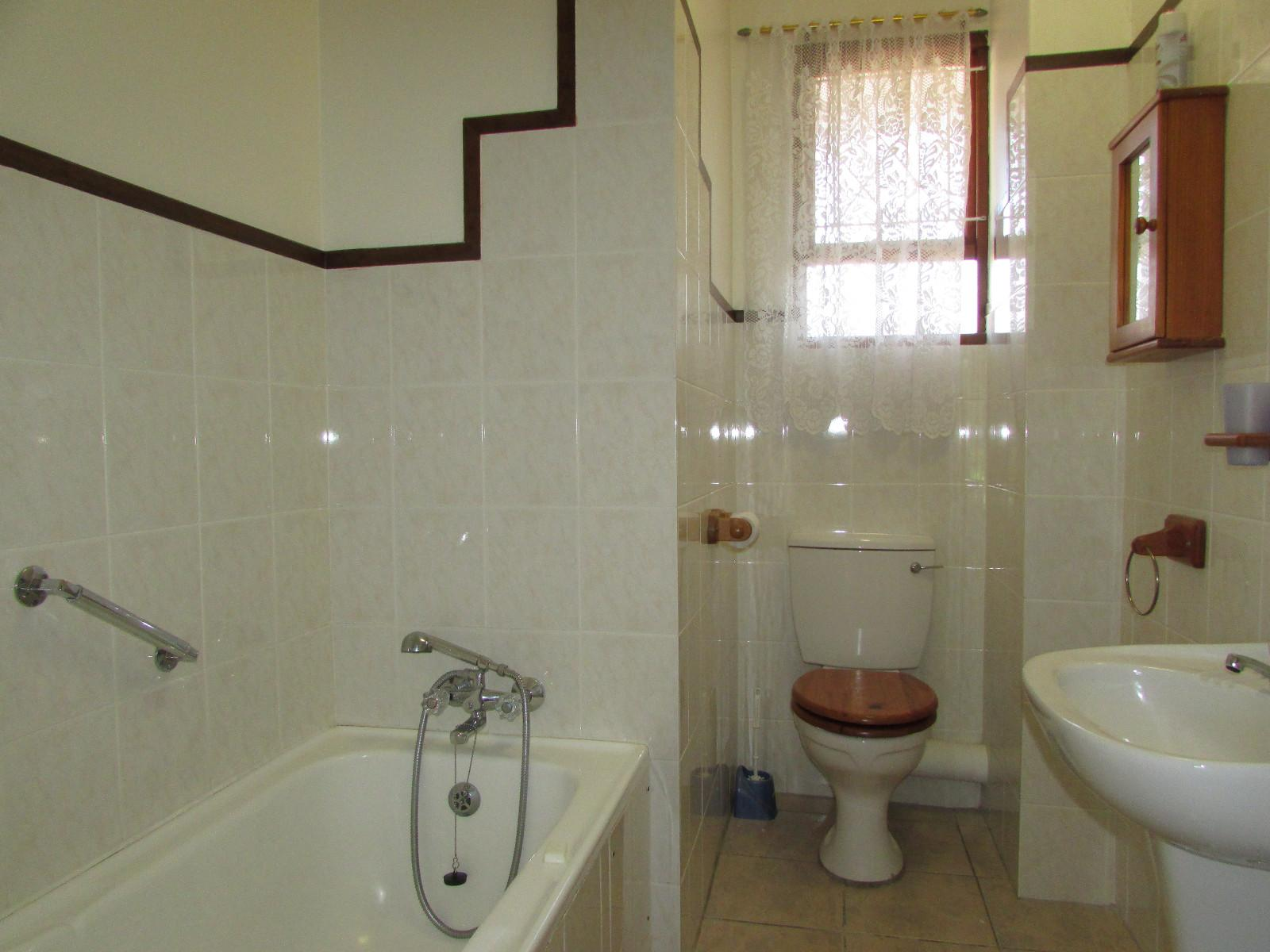 Shelly Beach property for sale. Ref No: 13243098. Picture no 6