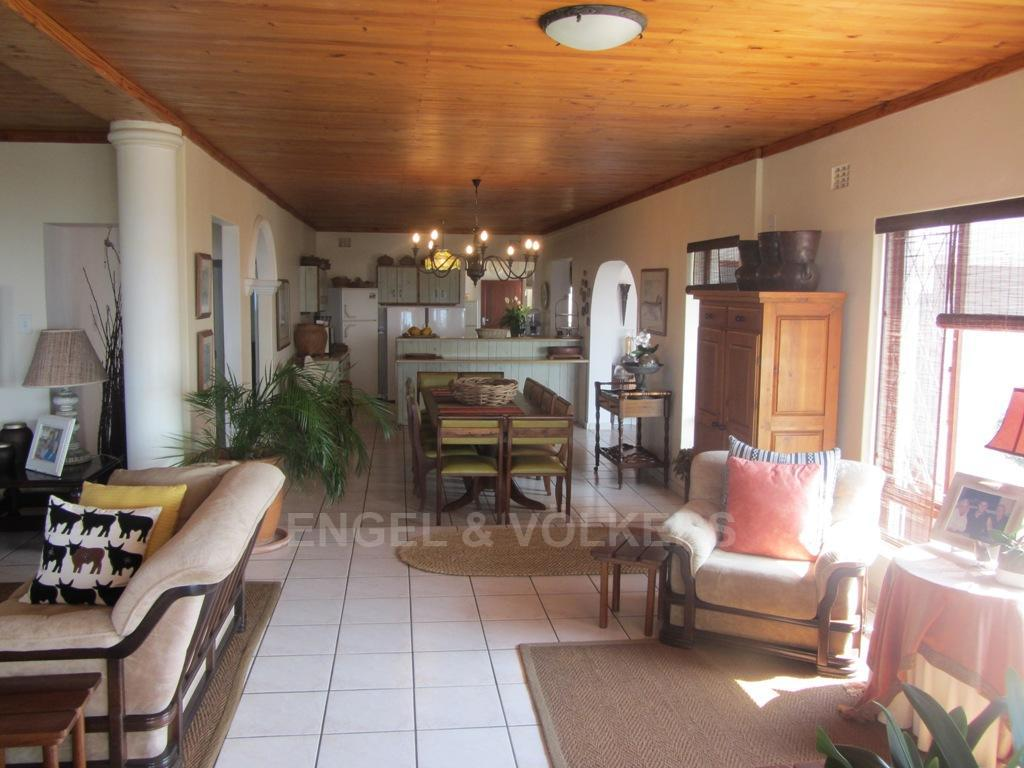 Uvongo property for sale. Ref No: 13254284. Picture no 15
