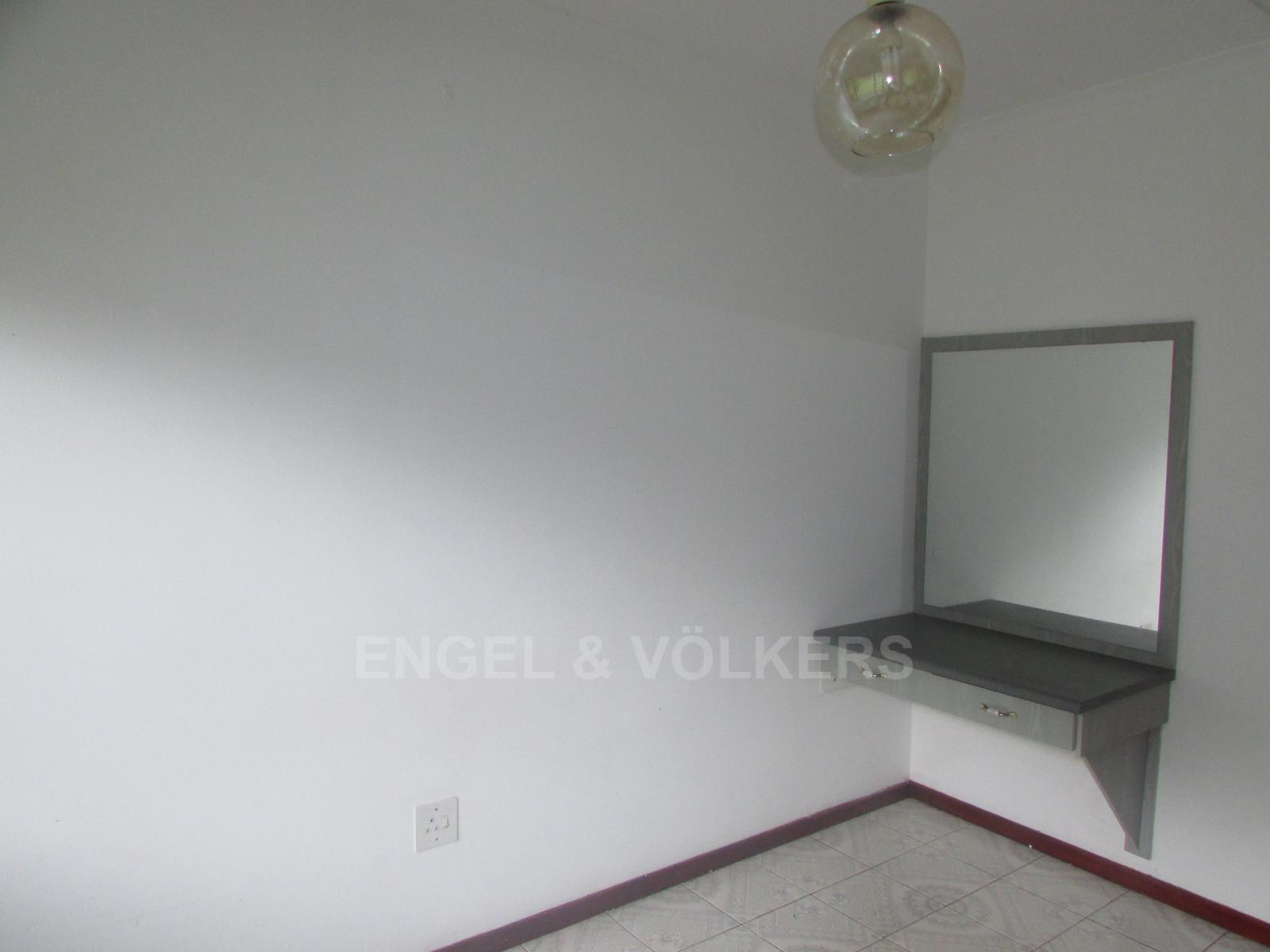 Margate property for sale. Ref No: 13296354. Picture no 4