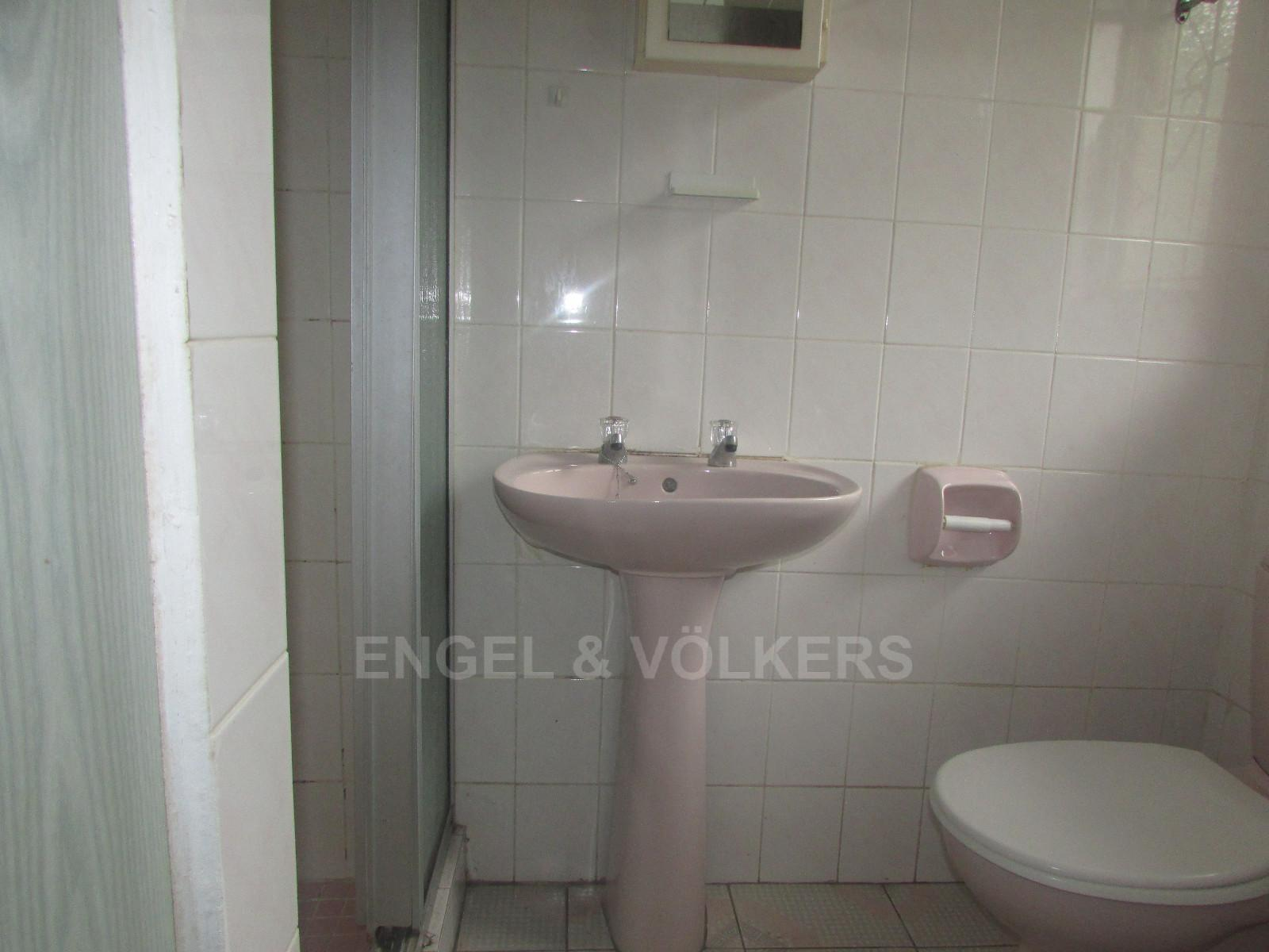 Margate property for sale. Ref No: 13296354. Picture no 5