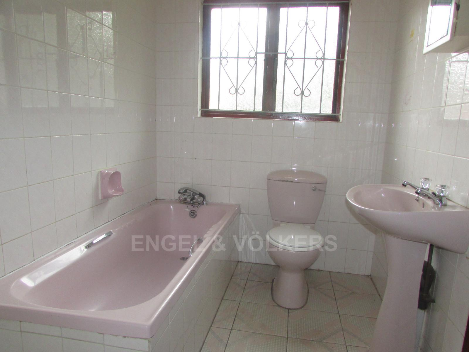 Margate property for sale. Ref No: 13296354. Picture no 7